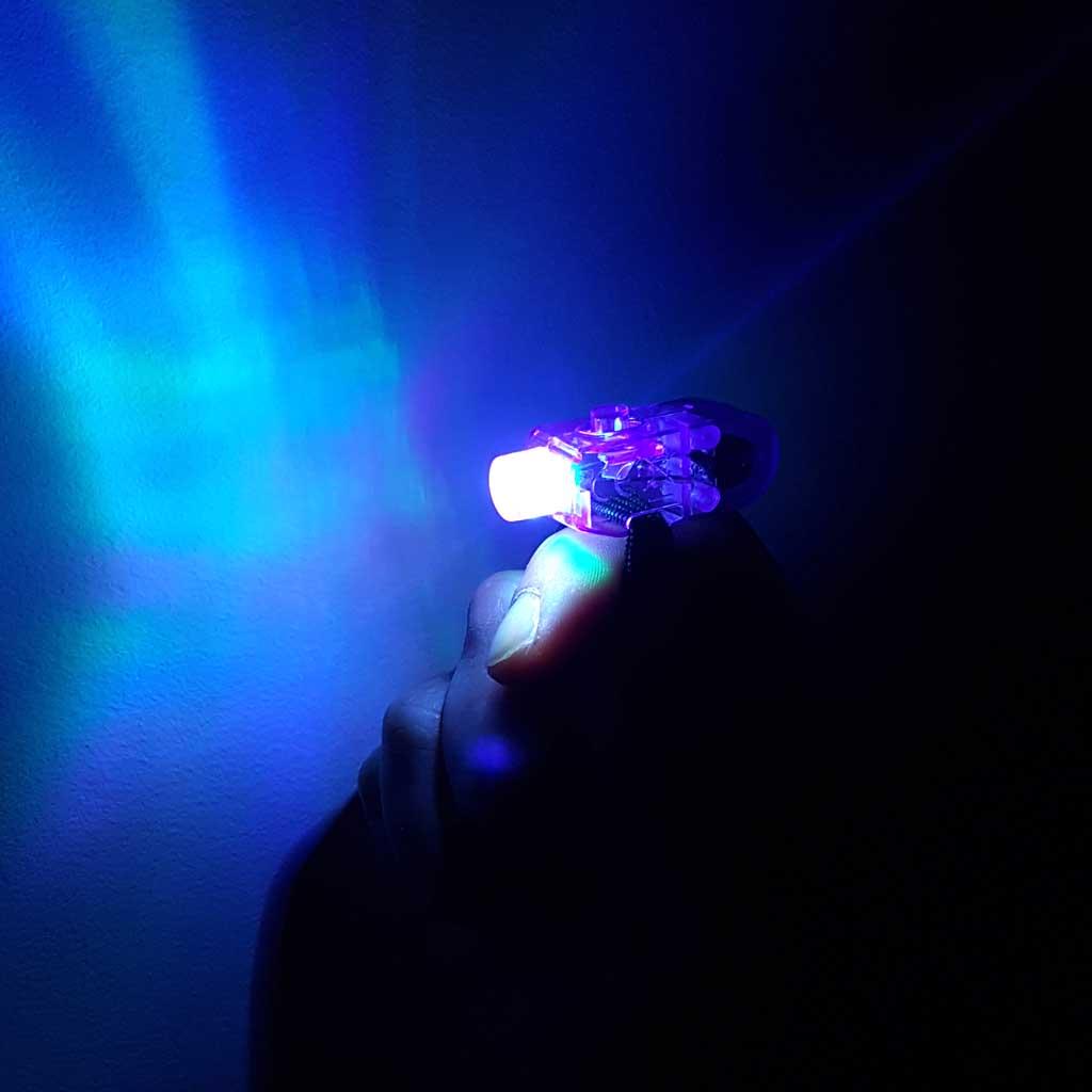 Svetlo na prst, mix farieb