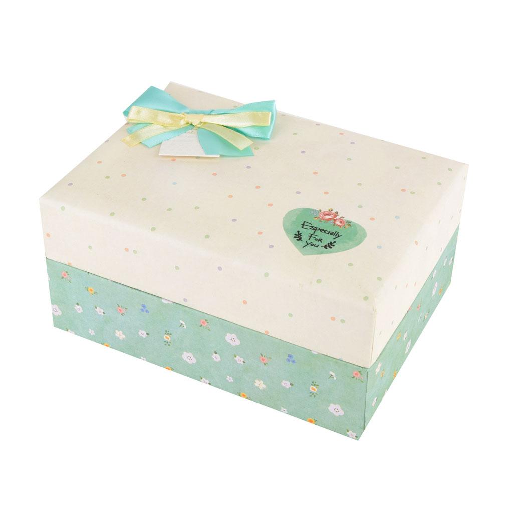 Papierová krabica 21,5x15,5x10 cm, saténová biela s bodkami