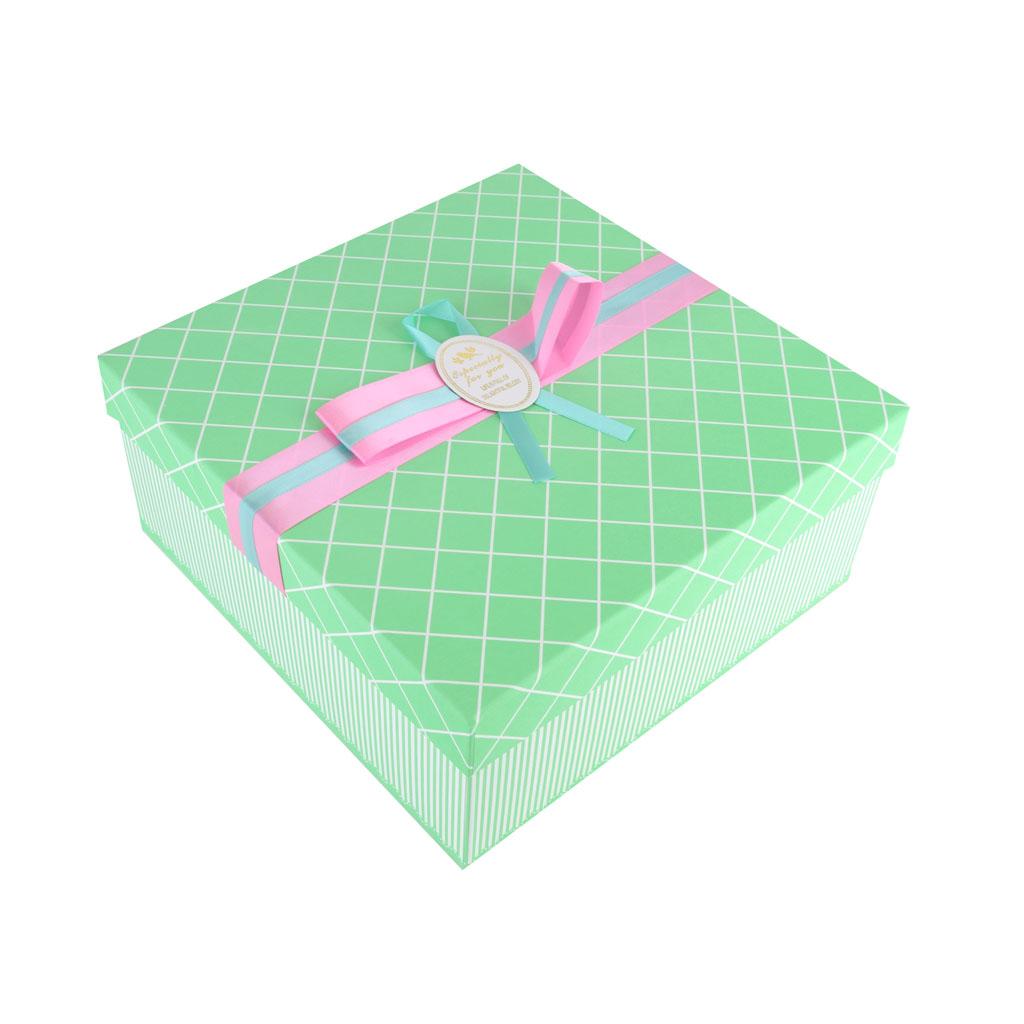 Papierová krabica 22x22x10 cm,zelená, ružová mašľa
