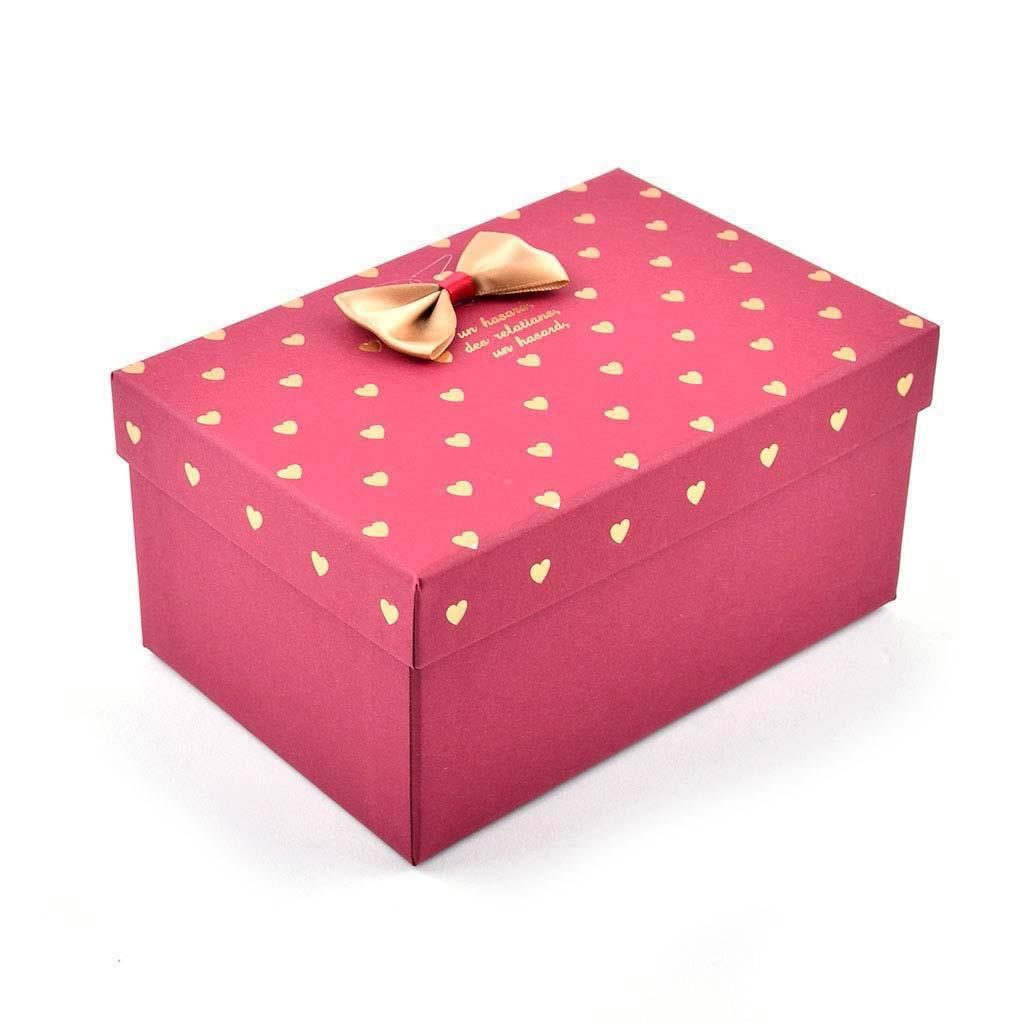 Papierová krabica 19x13,5x9,5 cm, červená so zlatými srdiečkami