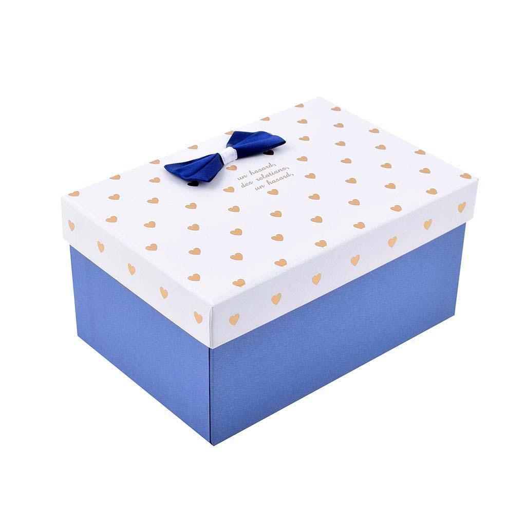 Papierová krabica 19x13,5x9,5 cm, s bielym vekom a zlatými srdiečkami